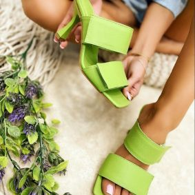 VELCRO BAND MULES WITH BLOCK HEEL - GREEN