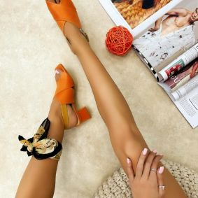 CROSS STRAP THICK HEEL SANDALS - ORANGE