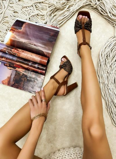 KNITTED THICK HEEL SANDALS - BROWN