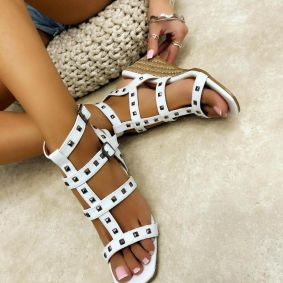 WEDGE SANDALS WITH RIVETS - WHITE