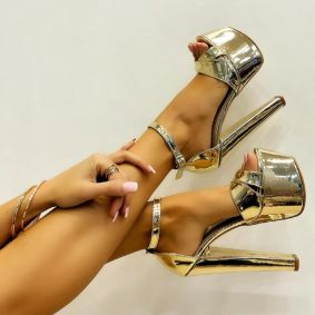 PATENT PLATFORM SANDALS WITH THICK HEEL - GOLD