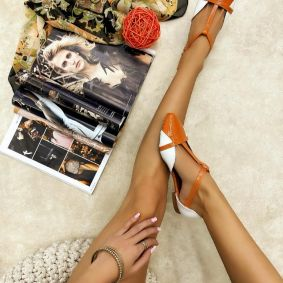 PATENT FLATS WITH BELT - ORANGE