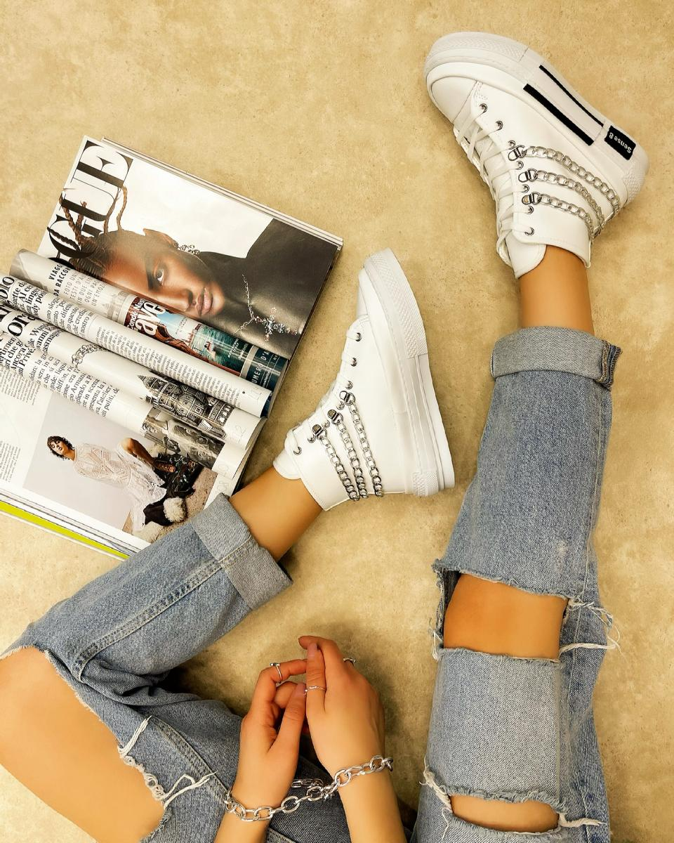 ANKLE SNEAKERS WITH CHAIN - WHITE