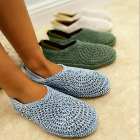 TREAD CROCHET FLATS - BLUE
