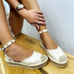JUTA SANDALS WITH RIVETS - BEIGE