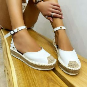 JUTA SANDALS WITH RIVETS - WHITE