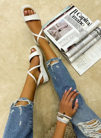 HIGH SOLE SANDALS - WHITE