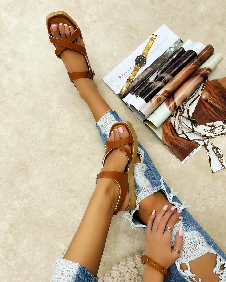 CROSS STRAP SANDALS WITH BELTS - CAMEL