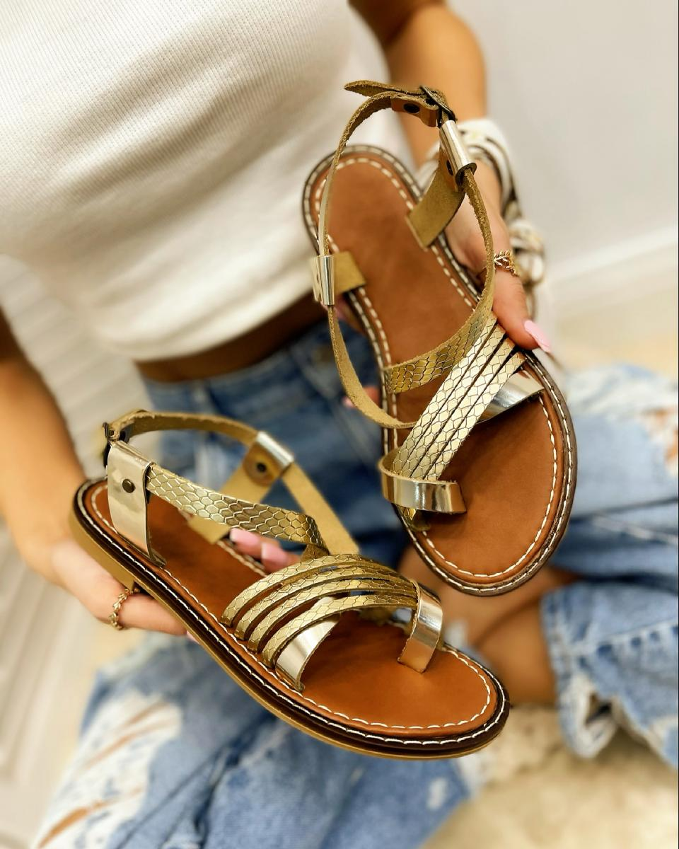 LEATHER FLAT TOE LOOP SANDALS - GOLD