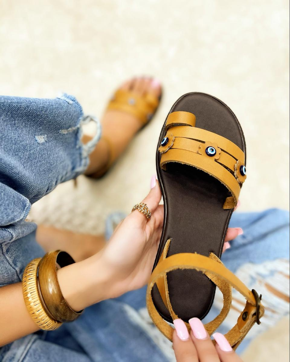 LEATHER FLAT TOE LOOP SANDALS - CAMEL