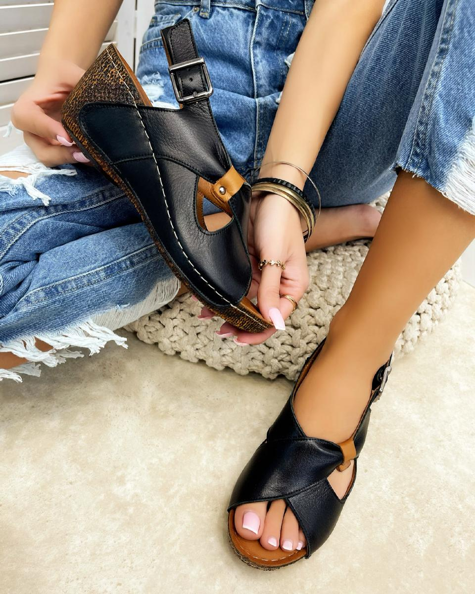 LEATHER WEDGE SANDALS - BLACK