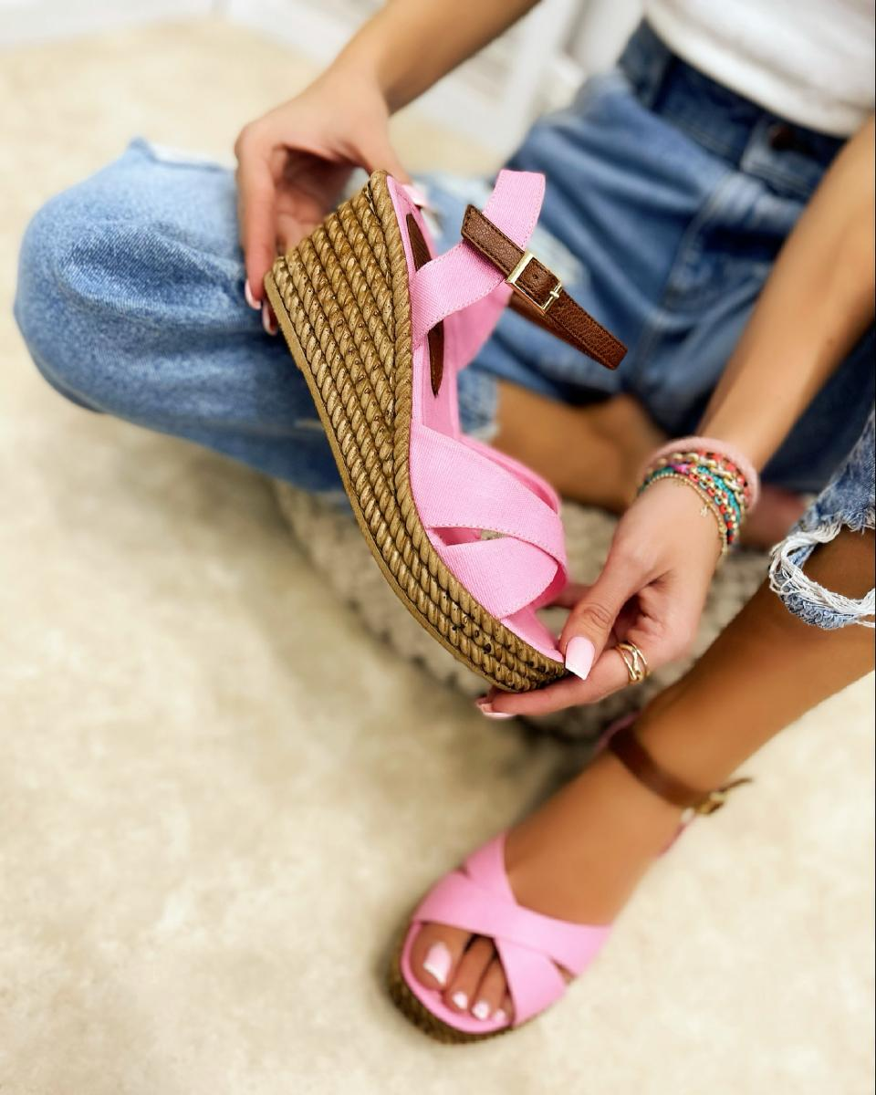 CROSS STRAP WEDGE SANDALS - ROSE