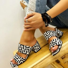 PRINTED SLIPPERS ON BLOCK HEEL - WHITE