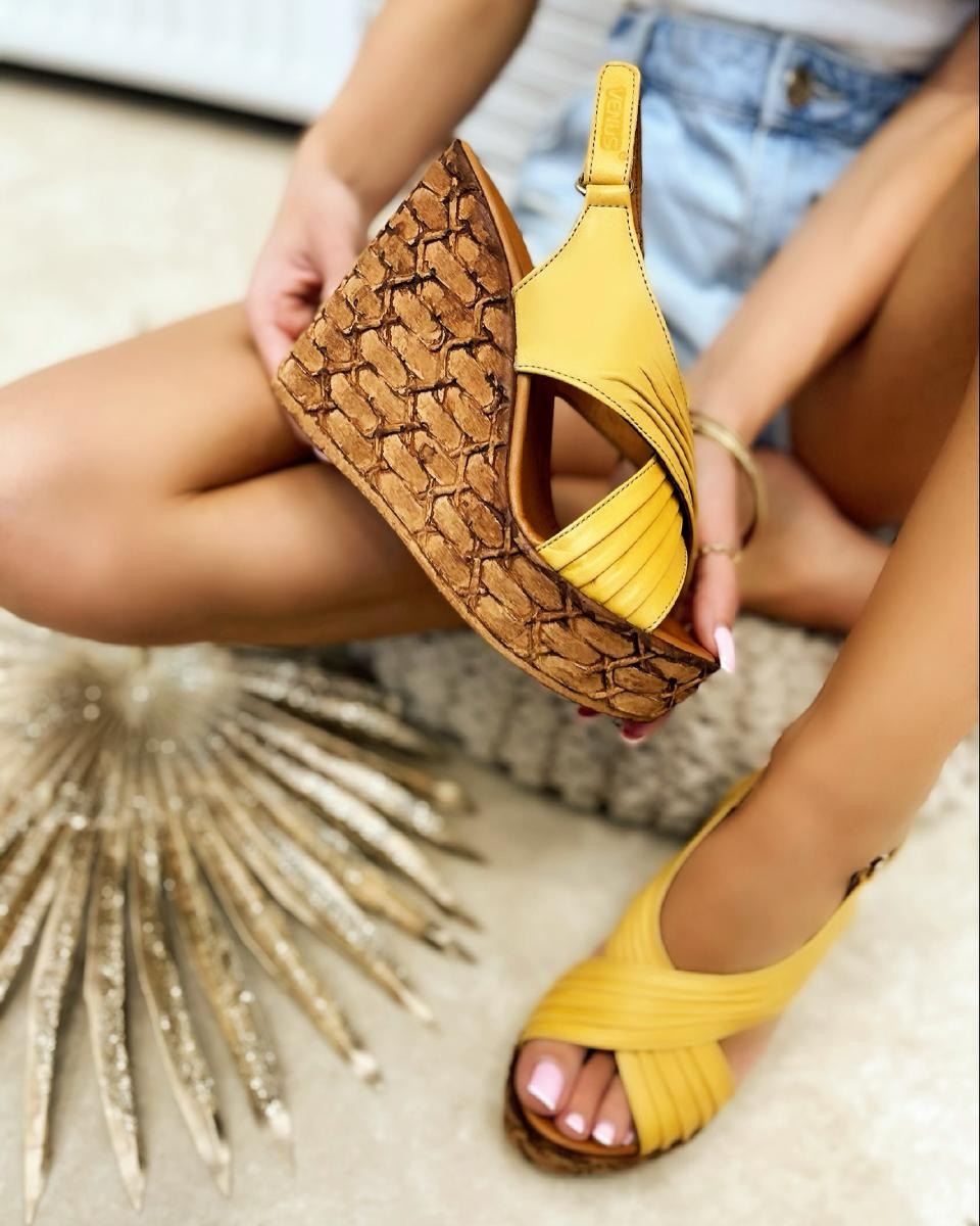 LEATHER WEDGE SANDALS - YELLOW