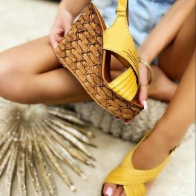 Leather sandals TEA - YELLOW