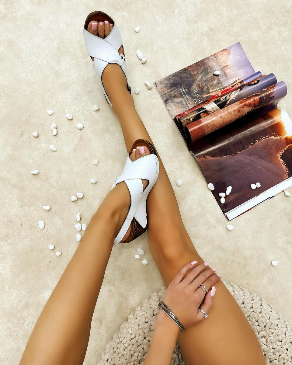 LEATHER WEDGE SANDALS - WHITE
