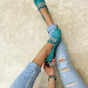 FLATS WITH ORNAMENTS - MINT