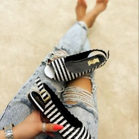 STRIPED FLATS  - WHITE/BLACK