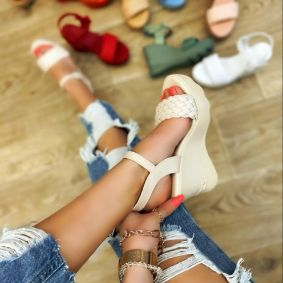 KNITTED WEDGE SANDALS - BEIGE
