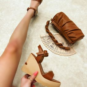 WEDGE SANDALS - CAMEL