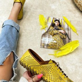 Flat leather shoes ERIKA - YELLOW