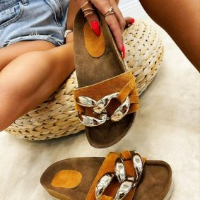 Leather slippers MANALI - BROWN