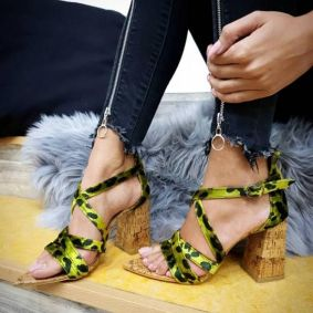 LEOPARD SPIKE SANDALS WITH THICK HEEL - GREEN