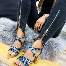 LEOPARD SPIKE SANDALS WITH THICK HEEL - BLUE