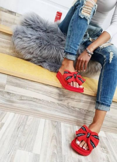 SLIPPERS WITH BOW - RED