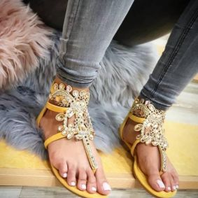 FLIP FLOP SANDALS WITH ORNAMENTS - YELLOW