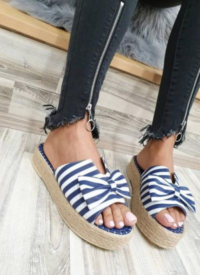 STRIPED SLIPPERS WITH A BOW - BLUE