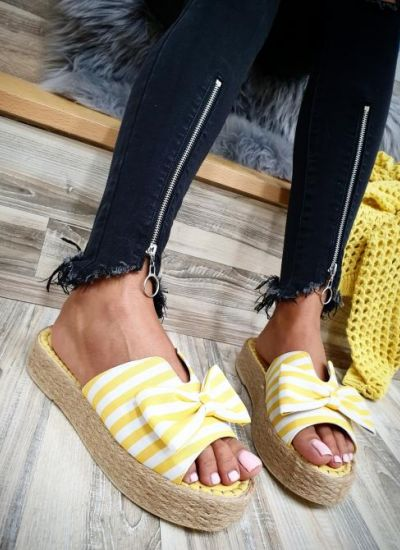 STRIPED SLIPPERS WITH A BOW  -  YELLOW