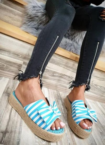 STRIPED SLIPPERS WITH A BOW - LIGHT BLUE