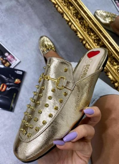WOMEN MULES WITH SPIKES - GOLD