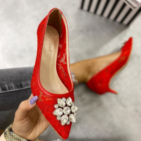 LACE STILETTO SHOES WITH BROOCH - RED