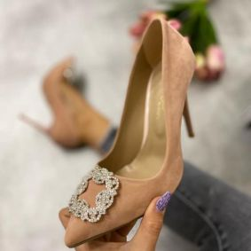 VELOUR STILETTO SHOES WITH BROOCH - POWDER ROSE