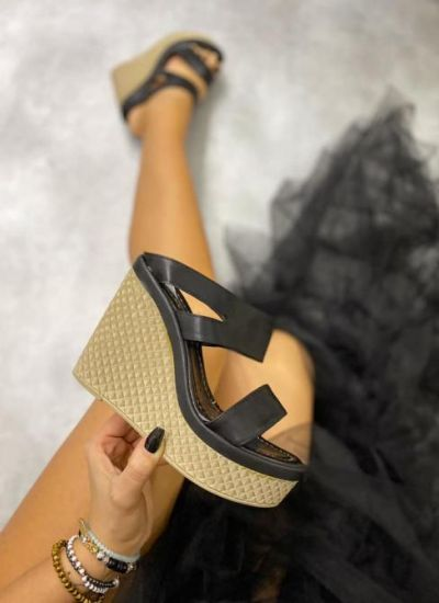 WEDGE MULES - BLACK