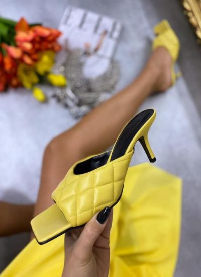 KNITTED MULES ON THIN HEEL - YELLOW