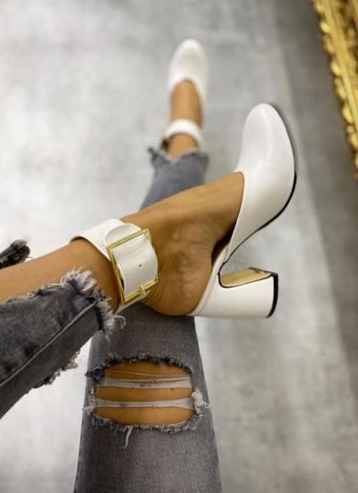 MULES WITH DECORATION BELT - WHITE