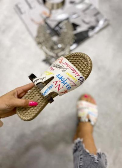 NEW YORK PRINTED FLIP FLOPS - WHITE