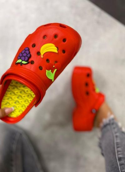 FRUITY CROCS - RED