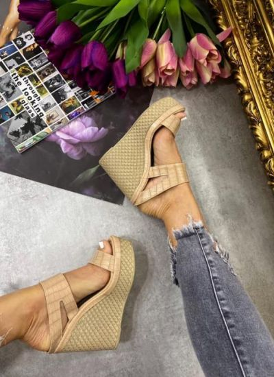 CROC PATTERN WEDGE MULES - BEIGE