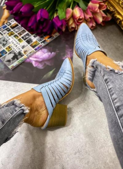 HOLLOW COWBOY MULES - LIGHT BLUE