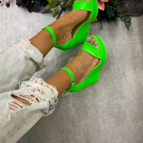 NEON WEDGE SANDALS - GREEN