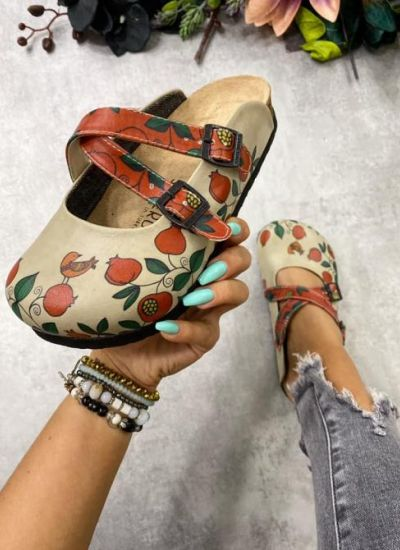 LEATHER CLOGS WITH BELTS POMEGRANATE - BEIGE/RED