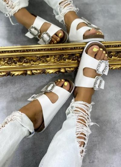 SLIPPERS WITH BELTS AND CLIP - WHITE