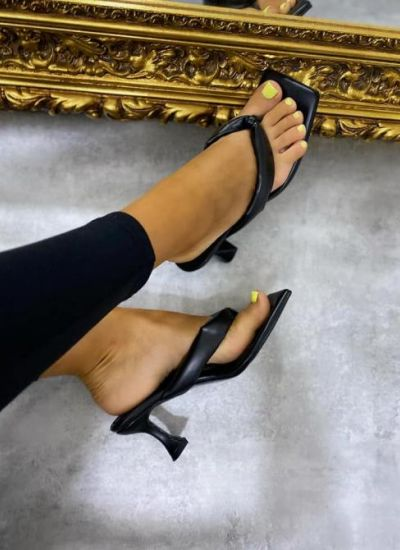 FLIP FLOP MULES WITH THIN HEEL - BLACK
