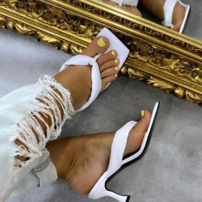 FLIP FLOP MULES WITH THIN HEEL - WHITE