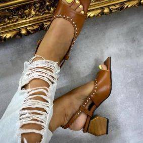 THICK HEEL SANDALS - BROWN