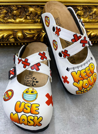 LEATHER CLOGS USE MASK WITH BELTS - WHITE